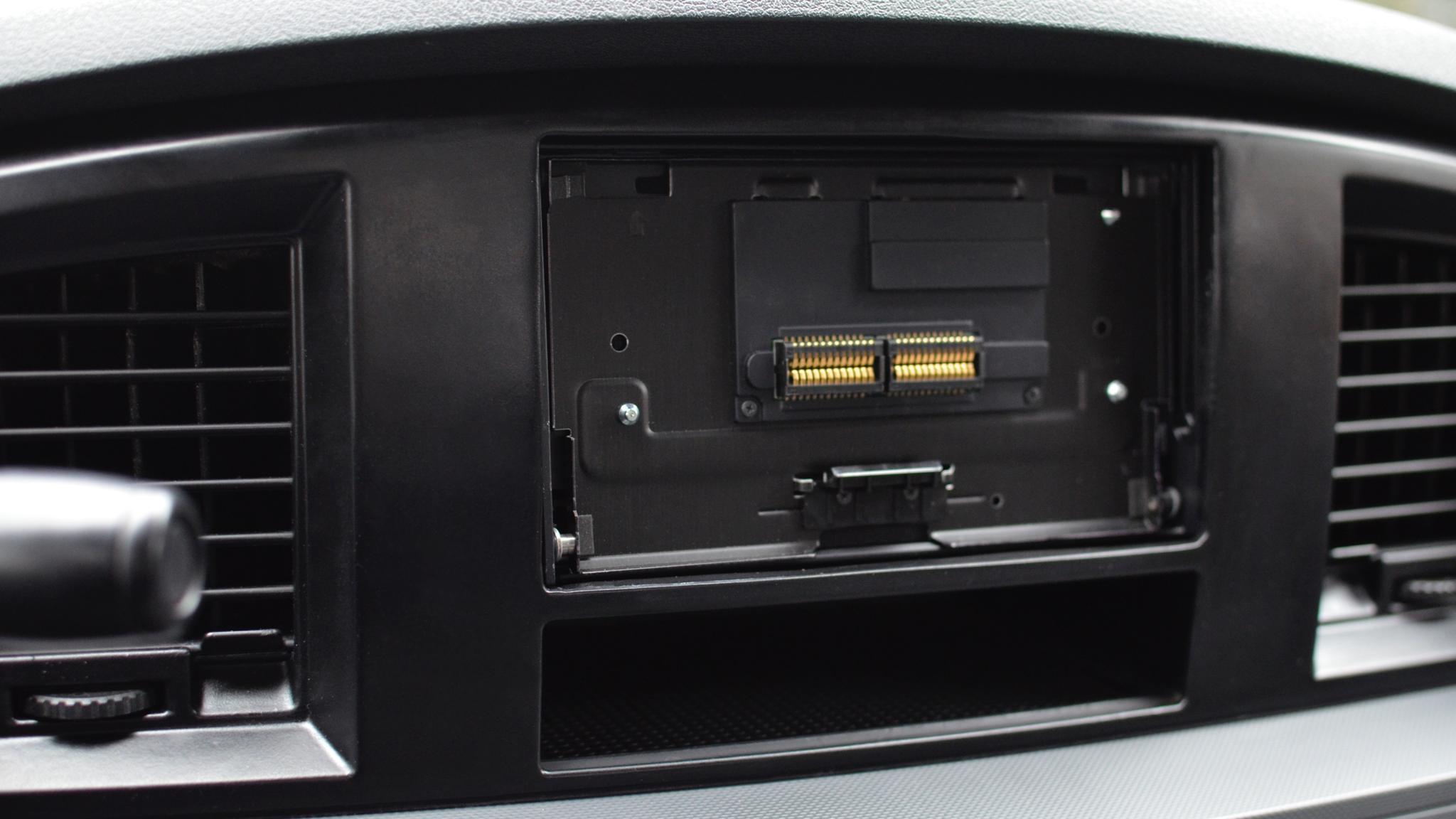 Pioneer AVH-4000NEX Install 16
